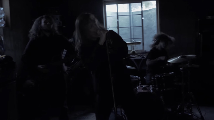 Extortionist ミュージックビデオ「Absent Ones」公開